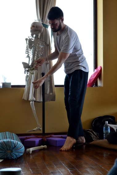 Andrew McGonigle teaching anatomy during Mahalaya Nepal yoga teacher training