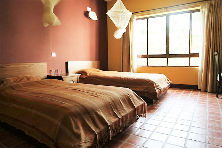 bedroom-during-yoga-retreat-in-nepal
