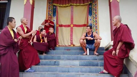 doron-and-the-monks-during-ttc-nepal